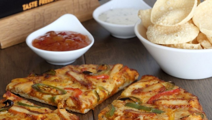 Pizza Hut Launch naan bread pizza for National Curry Week