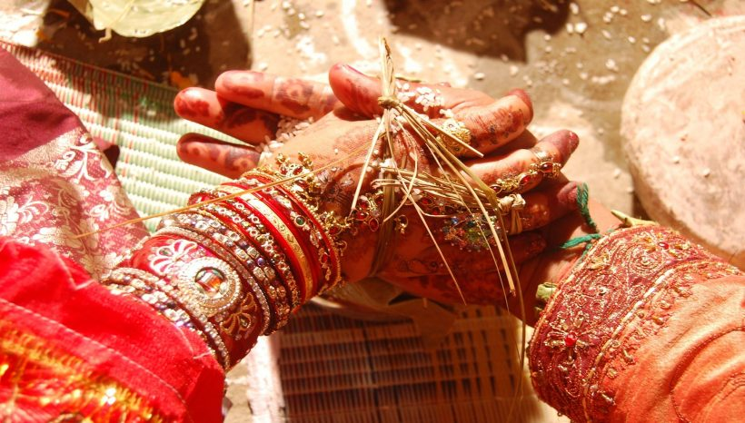 Gift ideas for an Indian bride and groom
