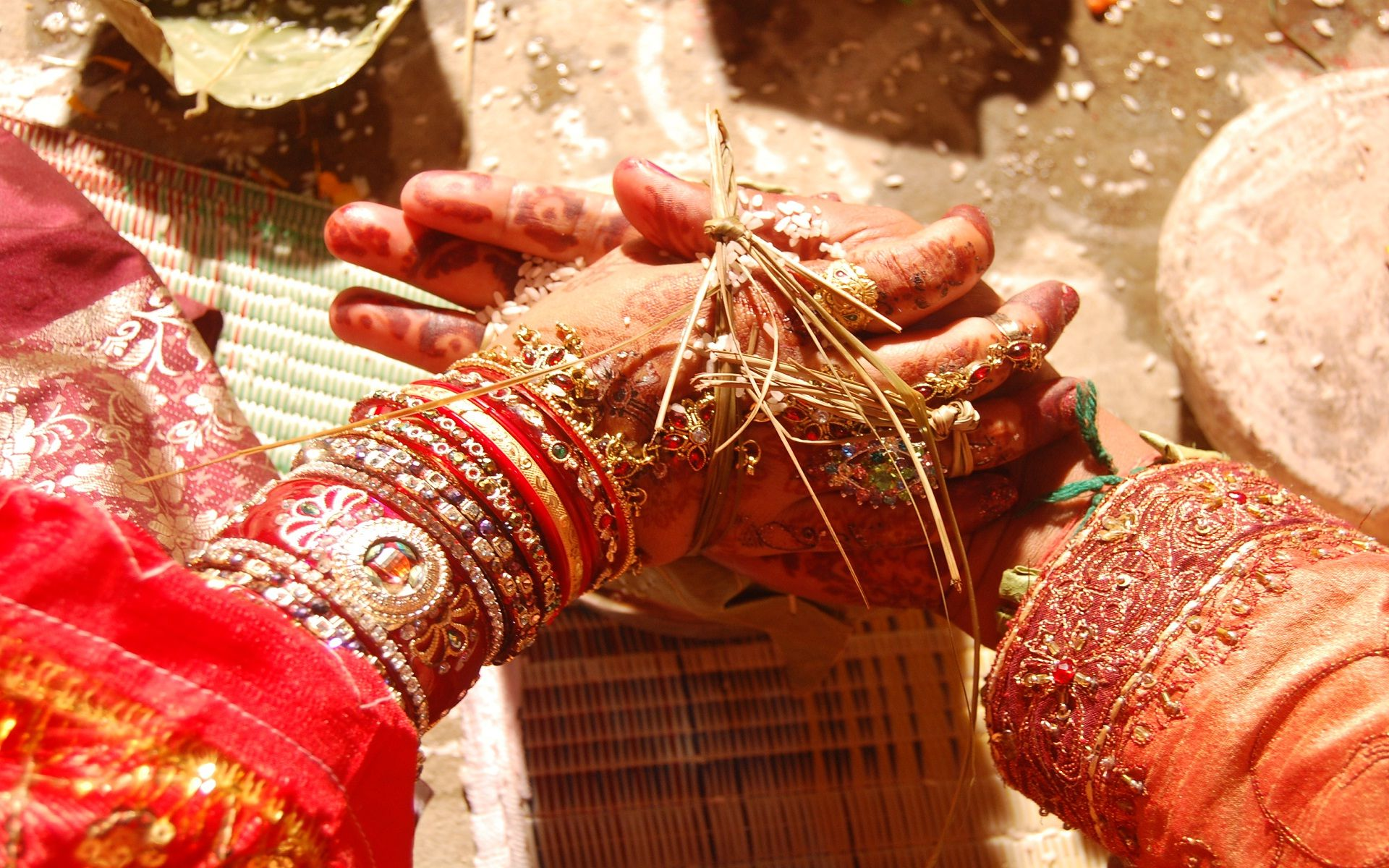 Gift ideas for an Indian bride and groom Maharaja