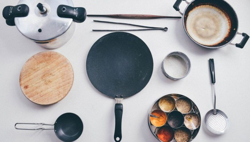Essential Indian Cooking: Tools for the perfect flatbreads, fritters and curries